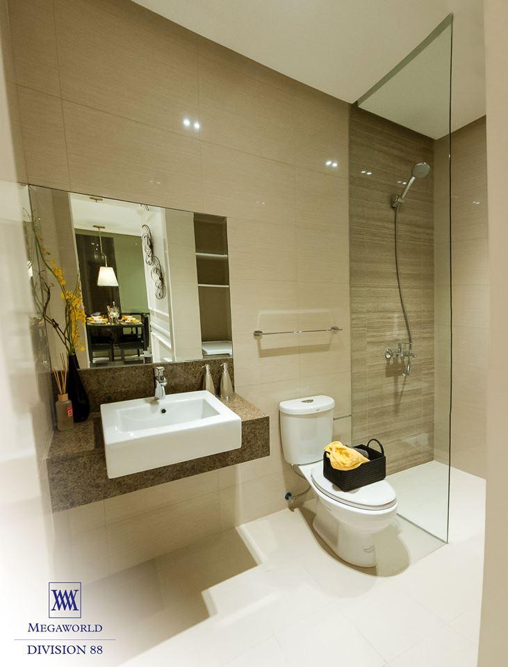 Florence model unit bathroom